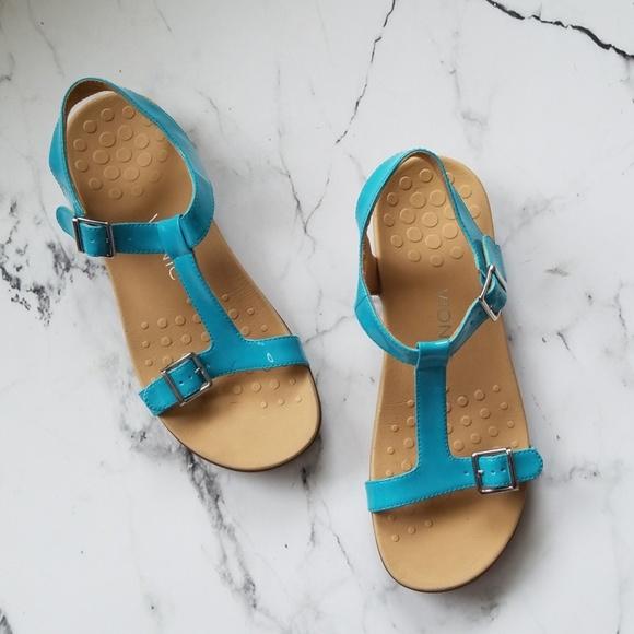 fb2d792f698b Vionic Adriane Blue T-Strap Sandals. M 5afda0d145b30c15f0445fc8